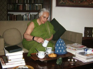 tea-biscuits-with-romila-thapar1
